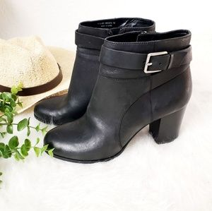 Cole Haan Signature Leather Block heel Ankle Boots